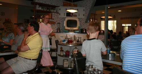 img_0191-50s-prime-time-cafe